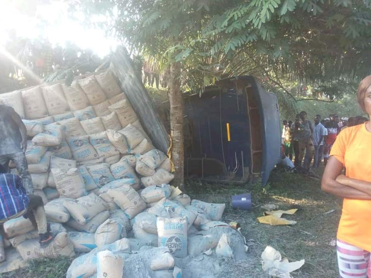 Articulator truck crashes 6 pupils to death in gory accident at Assin Atobiase