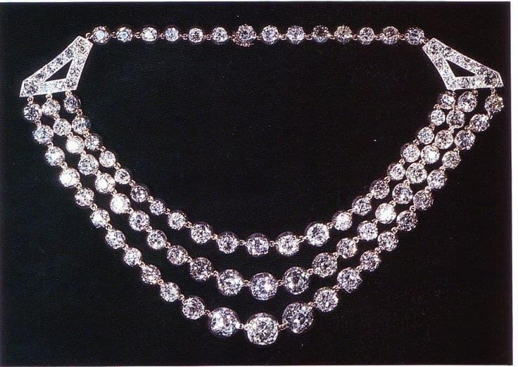 4 of Queen Elizabeth II's Impressive Diamond Jewels She Loves the Most