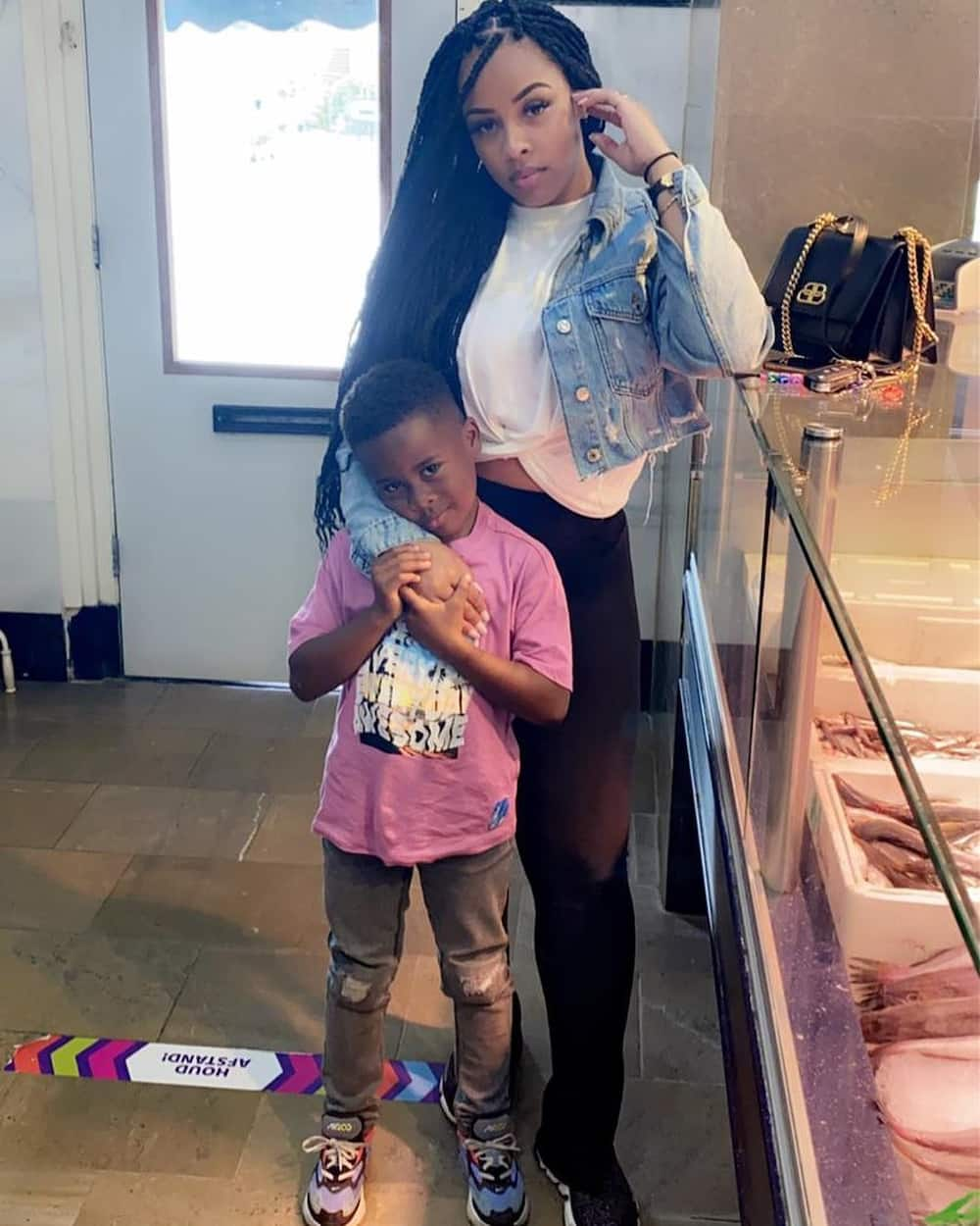 Mugeez: Photos of R2Bees singer's son and babymama pop up