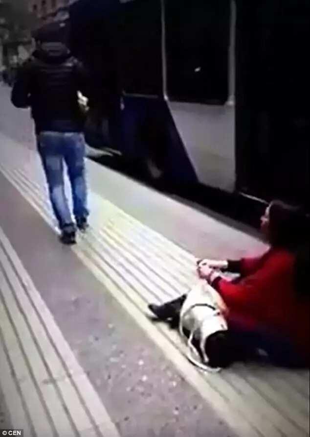 The heartbreaking moment her boyfriend walks off. Photo: CEN
