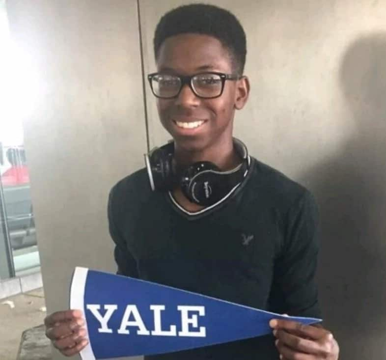 GENIUS! A 16-year old boy is the first black student to build a nuclear fusor