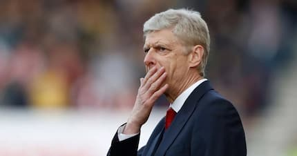 Headache for Arsene Wenger as star striker suffers thigh injury ahead of Tottenham clash