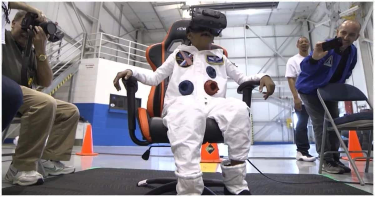 Zayden experiencing his trip to outer space via virtual reality. Photo: Make-A-Wish Georgia