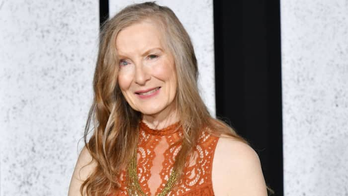 What happened to Frances Conroy's eye?