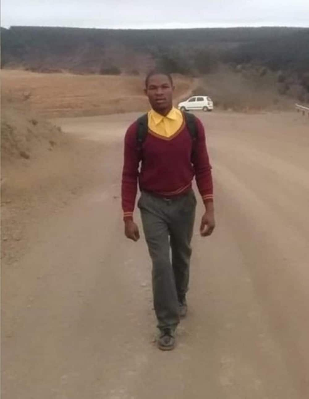 Dedicated Grade 11 pupil walks 20km to and from school each day