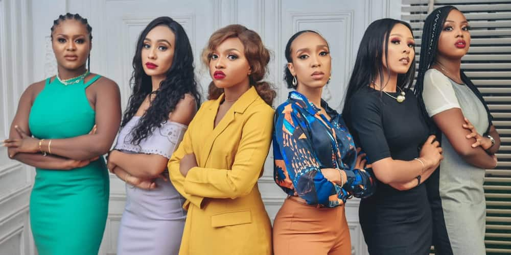 6 doctor friends light up social media with adorable group photo, Nigerian men shoot their shots
