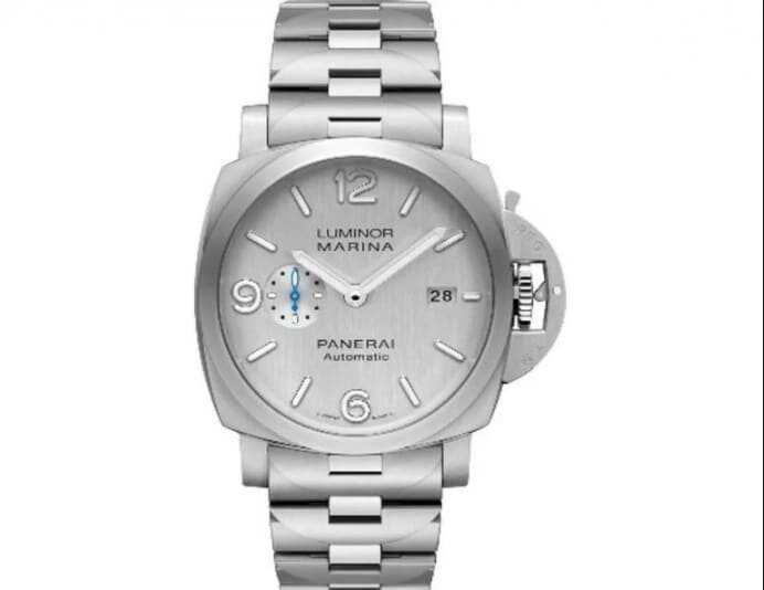 Bill Gates proudly wears a $70 Casio watch