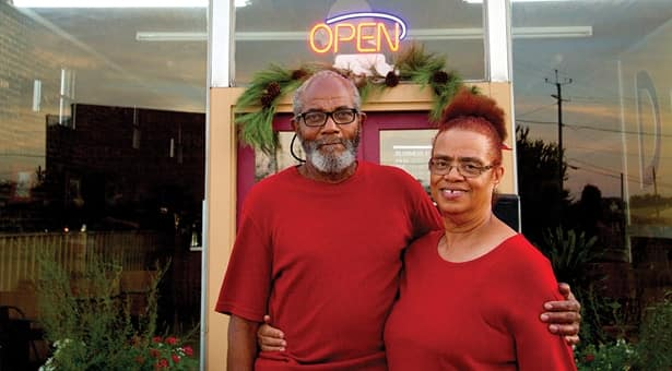 This Sweet Woman's Family-Style Restaurant Has No Prices, and Feeds Anyone in Alabama –WATCH
