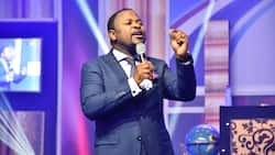 Prophet Sampson Amoateng dashes 2 cars to church members; video drops