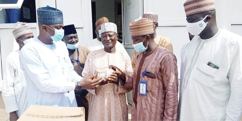 Yobe governor rewards driver who returned N1.7m with N250k
