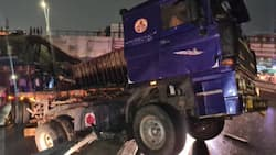 Accra rains: Articulated truck somersaults at Nkrumah Circle Overpass
