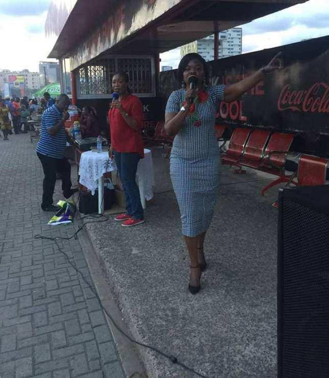 EC Commissioner Ms Adwoa Asuama Abrefa preaches at Accra Mall bus stop (Photo)