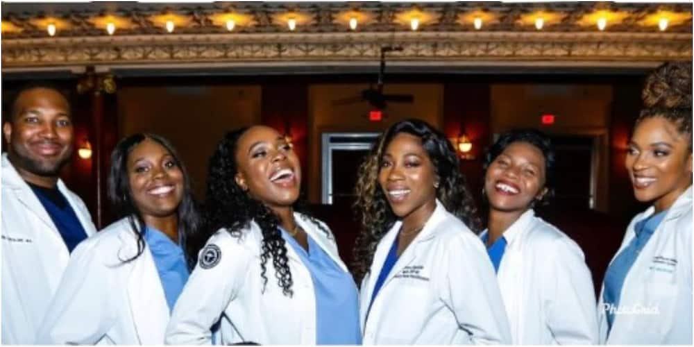 Photo of Nigerian Family Where All 6 Siblings are Doctors Surprises Many on Social Media