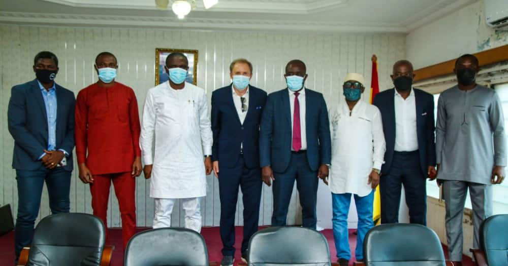 GFA present coach Milovan Rajevac to Minister of Youth and Sports Mustafa Ussif