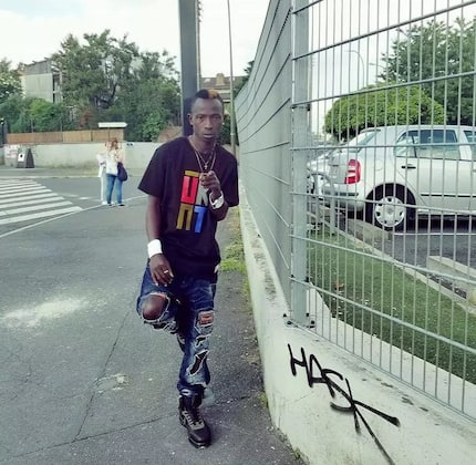 Photo of Patapaa having a good time in France