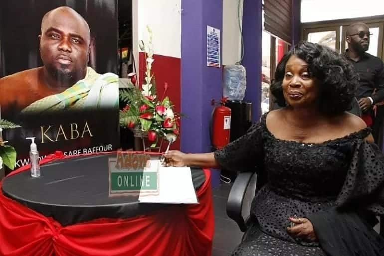 Maame Dokono weeps for KABA; says he didn't deserve to die at 37 years.