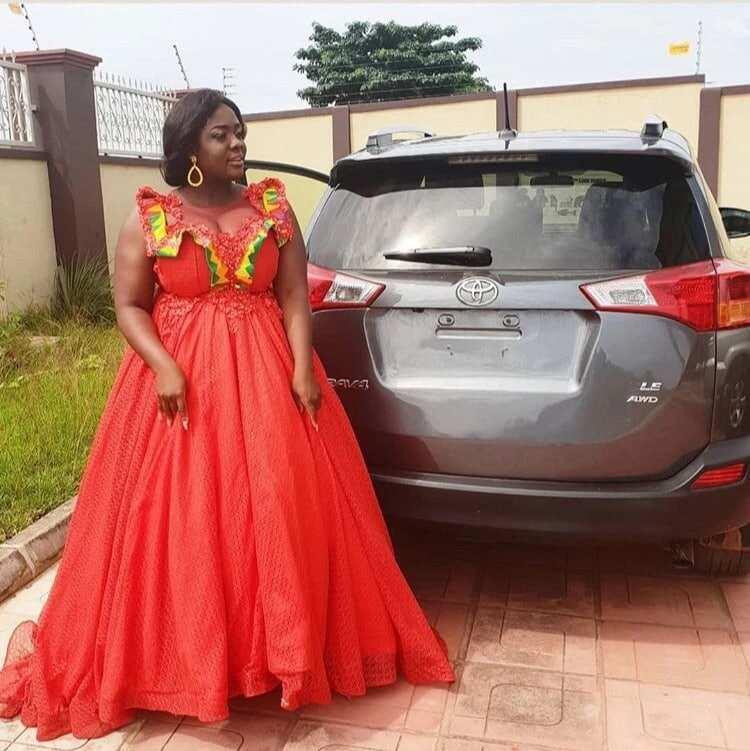 Tracey Boakye buys a new Toyota RAV 4 car (Photos)