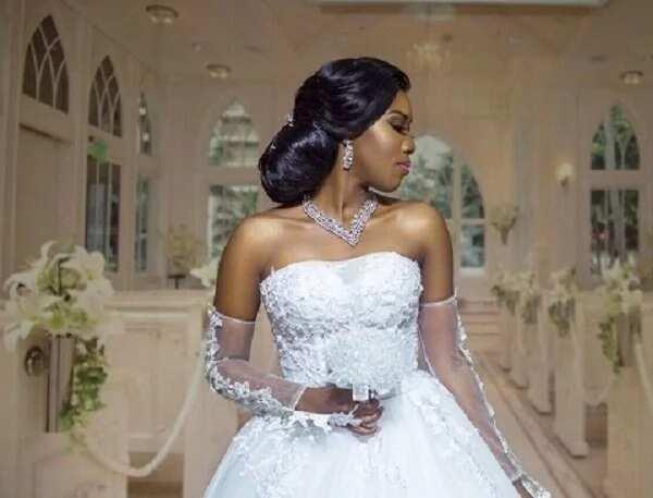 Kofi Adjorlolo's bride to be shows off her wedding gown