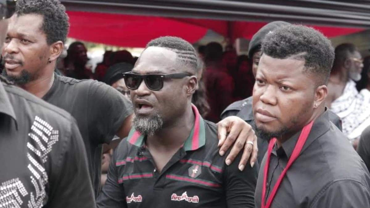 When Contryman Songo Wale arrived at Ebony's funeral