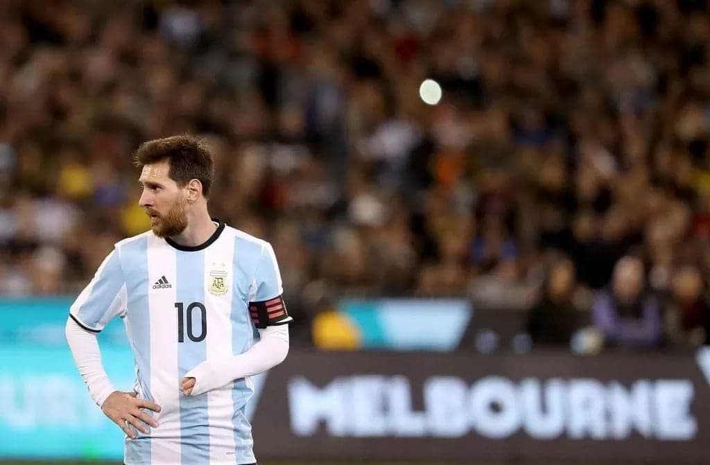 Four tournament favourites are held: Spain, Argentina, Germany, Brazil