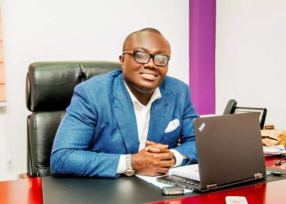 Bola Ray wishes Samini happy birthday with epic throwback