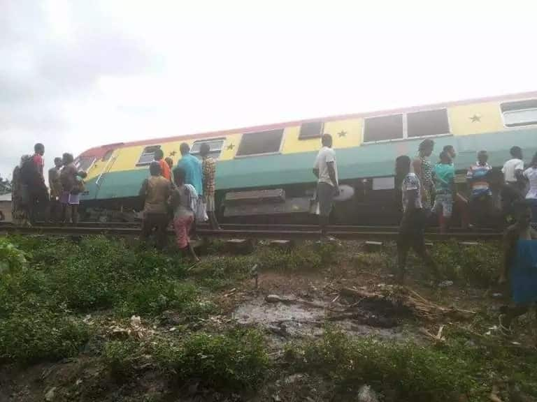 Train derails at Tesano in Accra