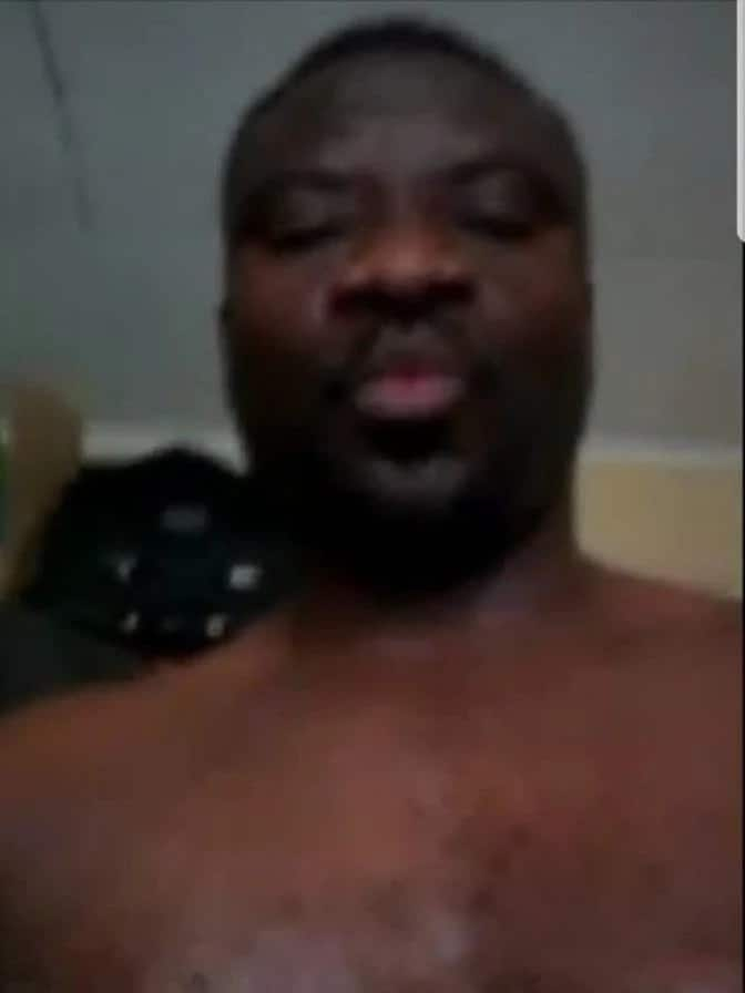 Pastor apologises for sending nude photos to married women