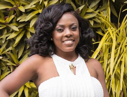 Where did you pass? - Fan says Nana Aba Anamoah is not beautiful after seeing photos of her younger sister