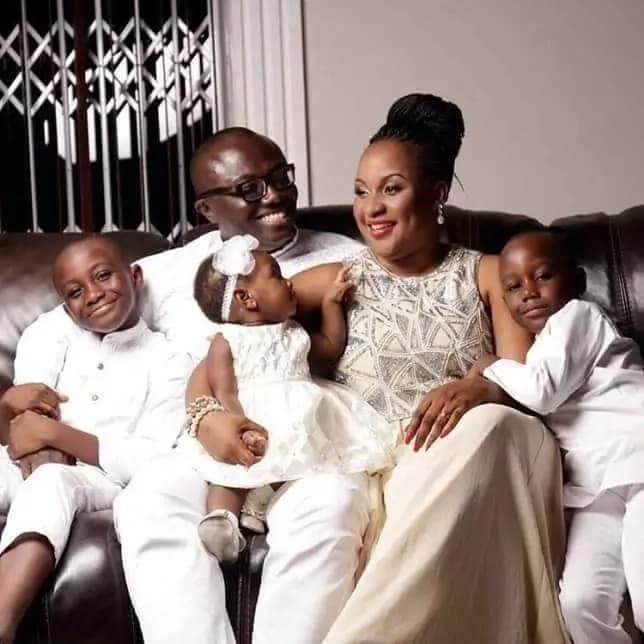 Bola Ray champions family goals with these heart warming photos