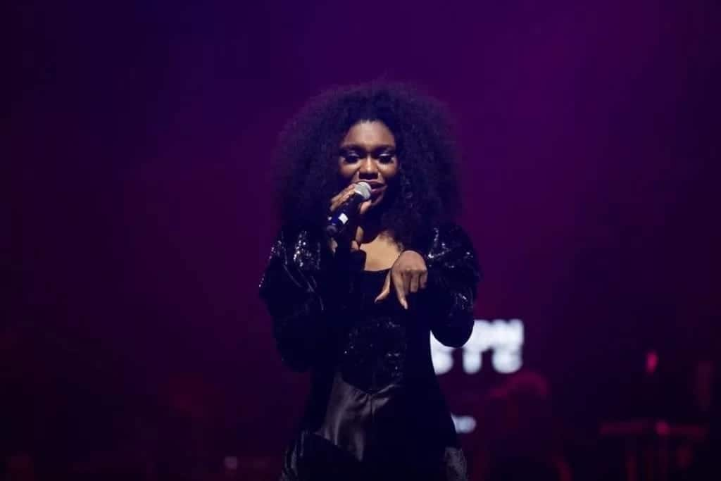 Becca pulls a stunt; changes into 5 different costumes during her concert