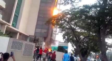 Raging fire engulfs Accra Financial Center (Video)