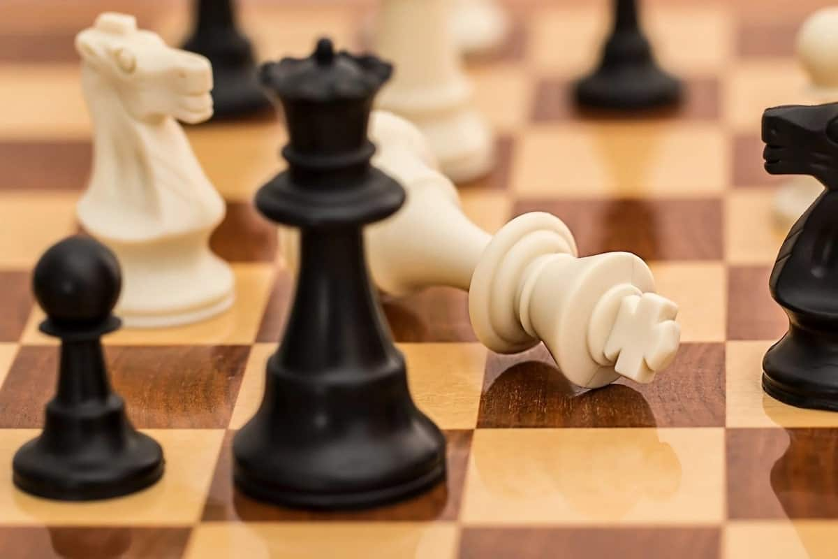 how to play chess chess for beginners learning chess