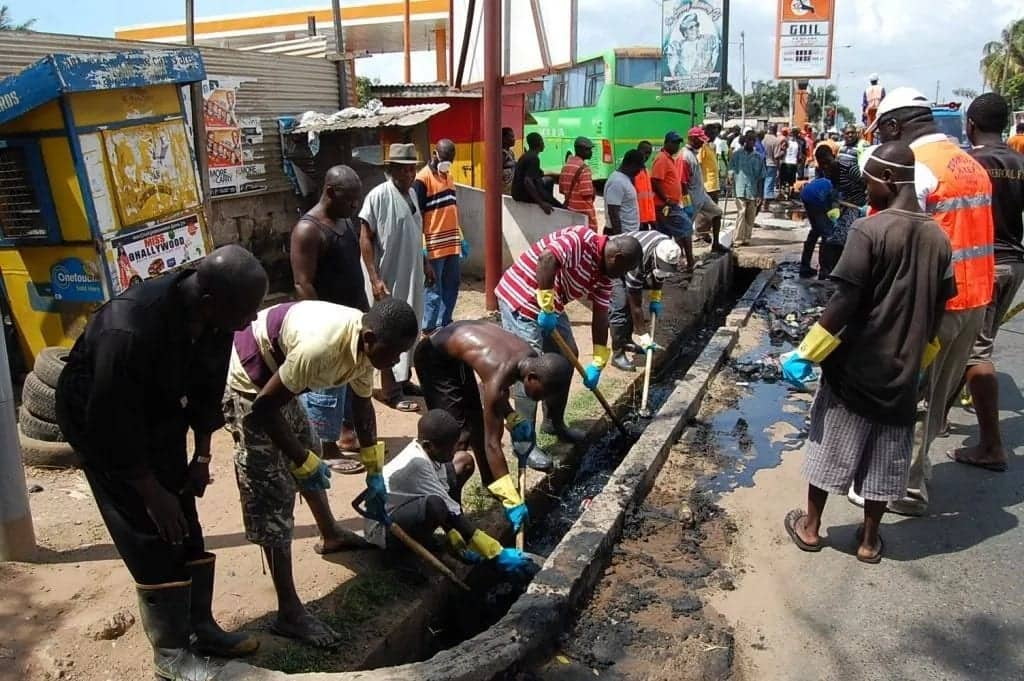 AMA orders compulsory closure of stores in Accra for Saturday clean up