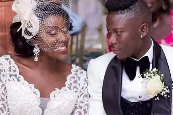 Stonebwoy and wife take couple goals to another level as they dazzle in latest photo
