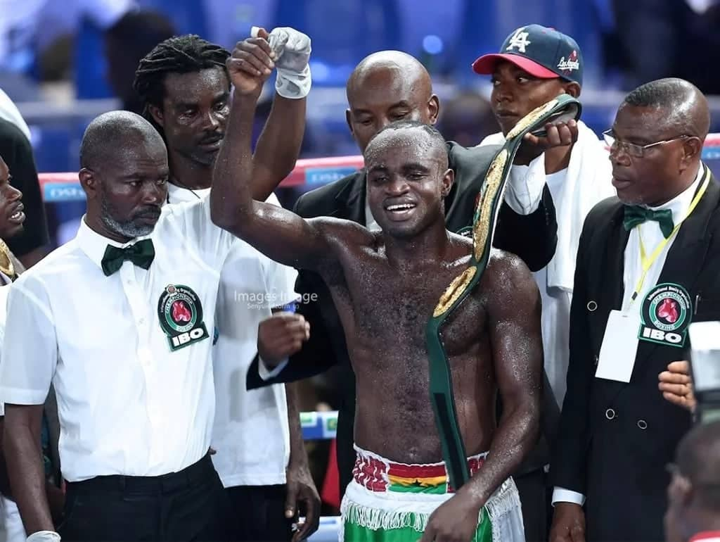 Emmanuel Tagoe secures 10th round knockout win over David Saucedo