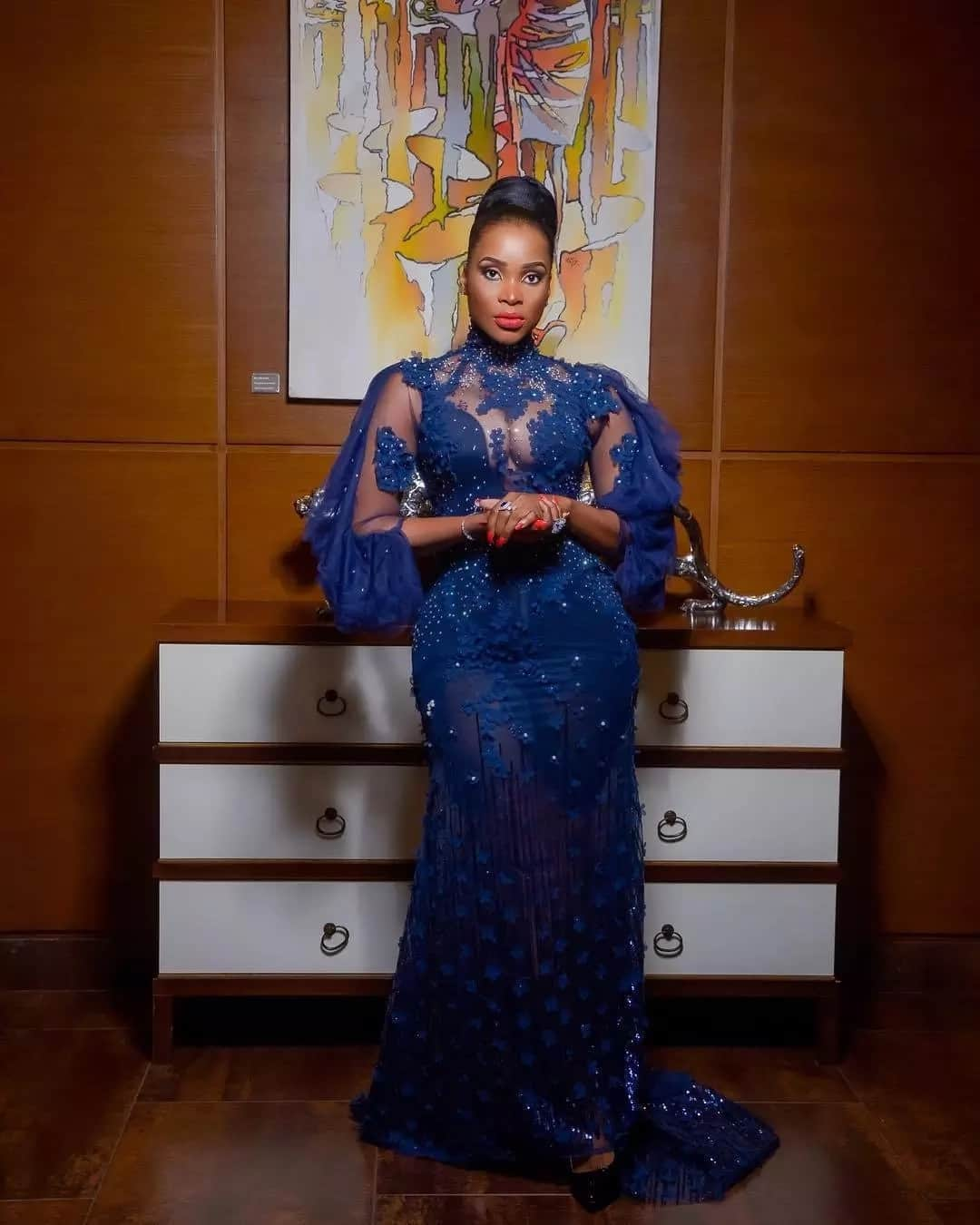 Benedicta looks gorgeous in these 7 photos