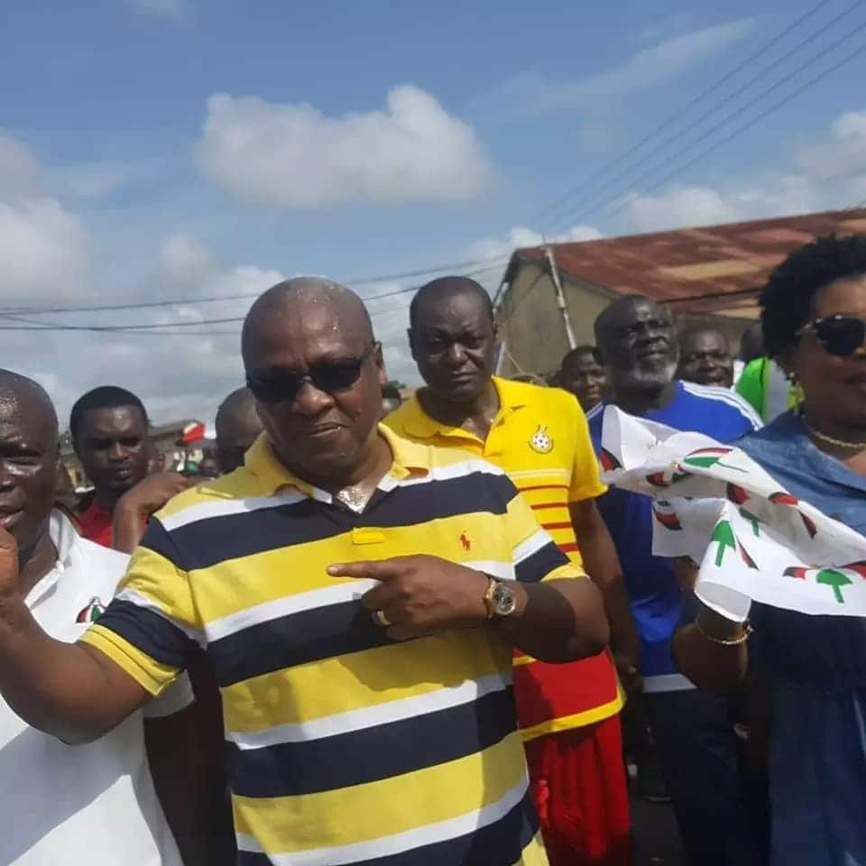 """President John Mahama expresess """"to displeasure"""" at NDC candidates running for flagbearer position"""