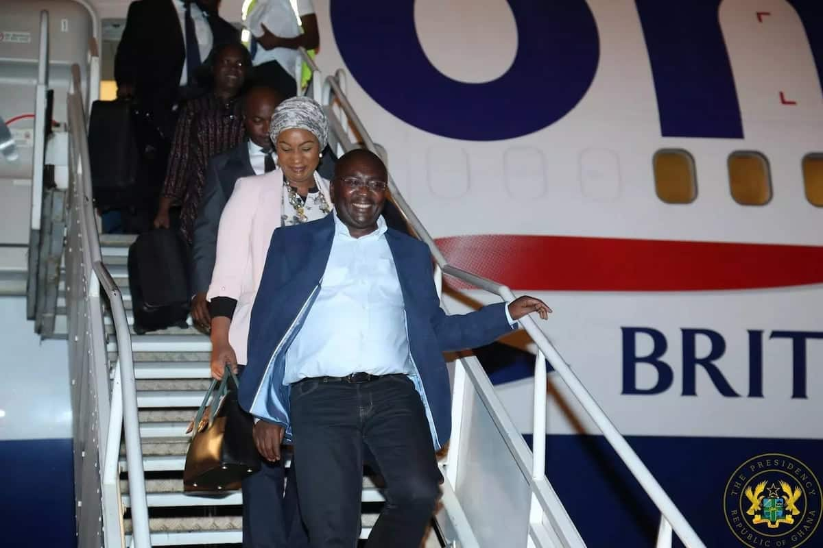 Dr Bawumia and his wife, Samira getting sown from the plane