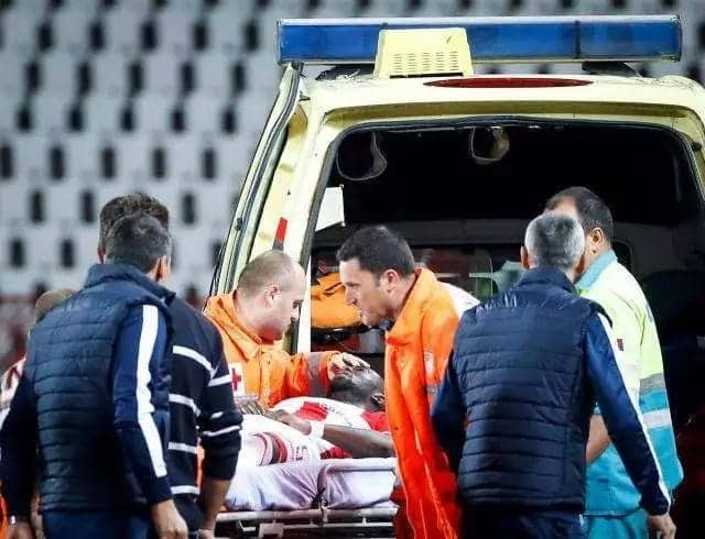 24-year old Ghanaian footballer collapses on the pitch in Serbia; suffers concussion after aerial challenge