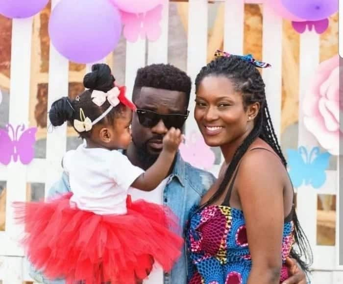 Who is Sarkodie father?
