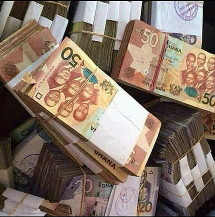 Headmistress and bursar allegedly blow GHC100,000 PTA cash to be used for a kitchen (Photos)