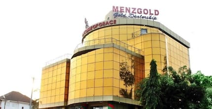 Menzgold closes down operations amidst mad rush by angry customers for their cash