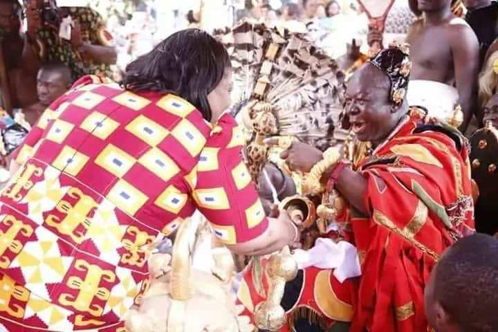 Here are photos of Otumfuo Osei Tutu II's rarely seen dress he wore to see Okyenhene