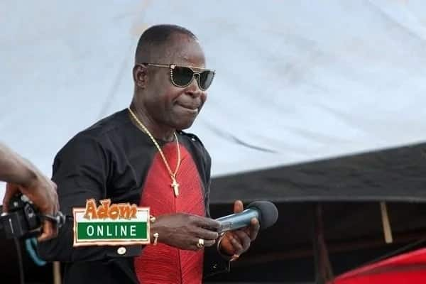 How Amakye Dede wiped the tears of mourners at KABA's funeral