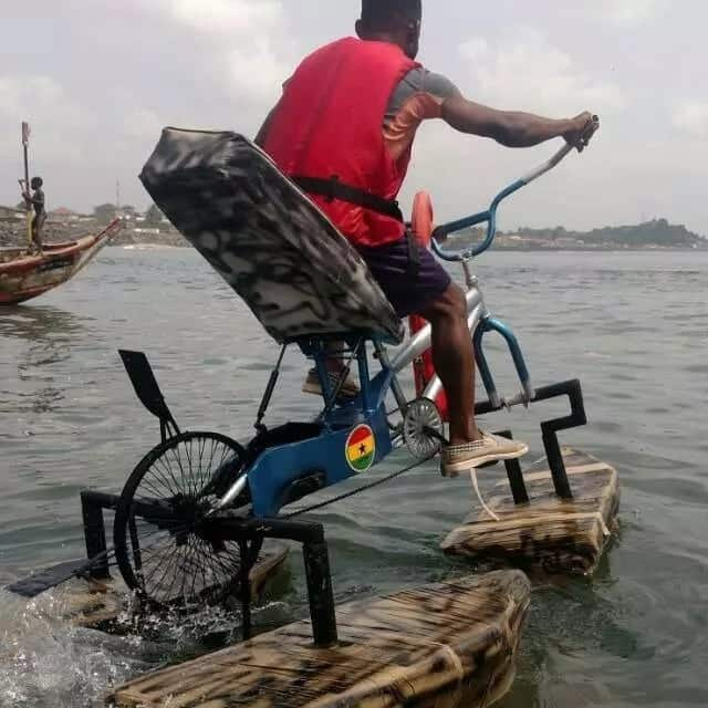 Young Ghanaian inventor who created a bicycle made for water tests his invention on the sea and YEN.com.gh has pictures