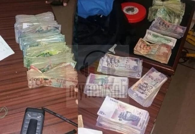 Police arrest fellow officer who leads armed robbers in operations