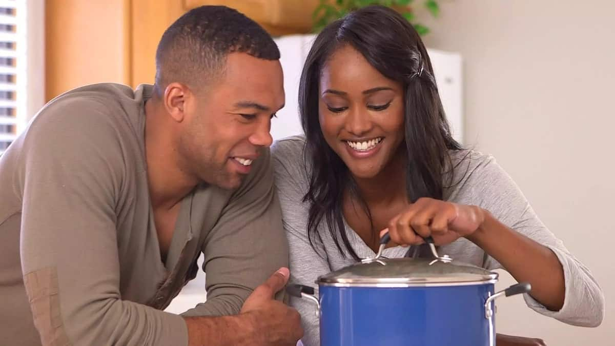 romantic questions to ask her deep questions to ask your partner questions for couples