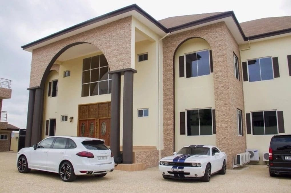 Asamoah Gyan New House in Accra ▷ YEN.COM.GH