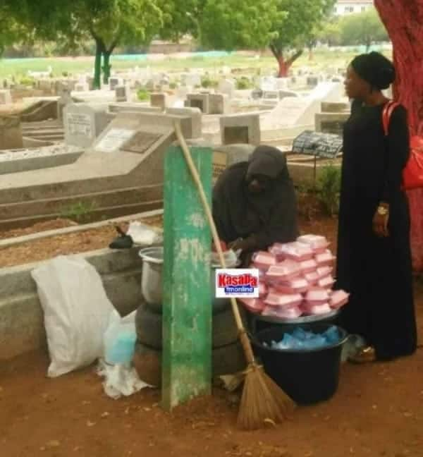 Health Alert! Woman bags food for sale at cemetery
