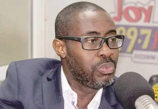 Akufo-Addo, other governement officials celebrate with Ace Ankomah on his birthday
